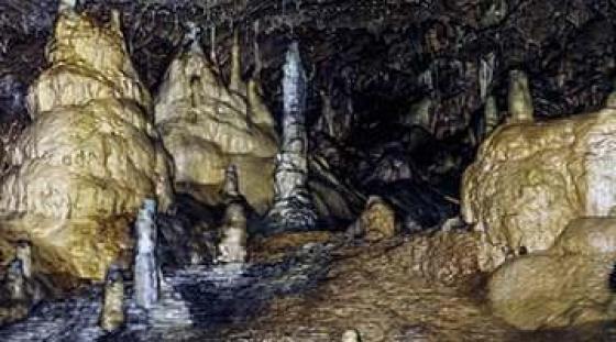 Zwiedzanie jaskini Kents Cavern - kursy angielskiego w Torquay